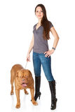 Jong meisje met puppy van Dogue DE Bordeaux Royalty-vrije Stock Afbeelding