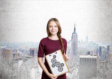 Jong meisje met toestellenschets Stock Afbeeldingen