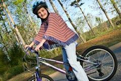 Jong Meisje op Fiets Stock Foto