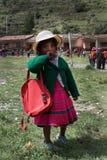 Jong Meisje in Quechua Dorp Stock Afbeelding