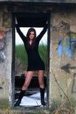 Jong meisje in ruins9 stock foto