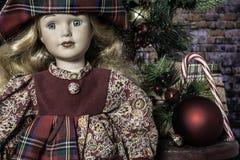 Jong Meisjesdoll voor Kerstmis royalty-vrije stock foto's