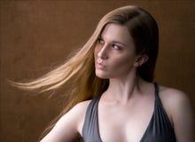 Jong Model dat Leuke Uitdrukking maakt Stock Foto's