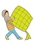 Jong moslimmeisje die grote ketupat houden Stock Foto's