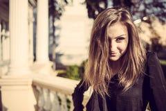 Jong openlucht de herfst zonnig portret van de manier mooi vrouw Stock Foto's