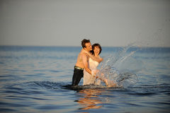 Jong paar dat pret heeft Royalty-vrije Stock Foto's