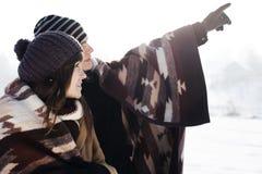 Jong paar in de winter Stock Foto
