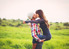 Jong paar in liefde Stock Fotografie