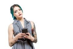Jong professioneel wijfje met tatoegeringen Stock Foto's