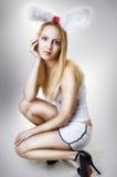Jong sexy Pasen van de blondievrouw konijntje Royalty-vrije Stock Foto's