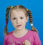 Jong vrolijk meisje stock afbeelding