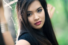 Jong vrouwen in openlucht portret Royalty-vrije Stock Foto
