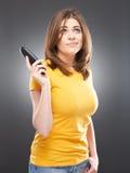 Jong vrouwenportret met telefoon Royalty-vrije Stock Foto's