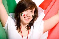 Jong wijfje met Italiaanse vlag als achtergrond royalty-vrije stock afbeelding