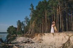 Jong Zwanger Paar in Liefde Stock Foto