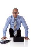 Jonge aantrekkelijke Afrikaanse Amerikaanse zakenman Royalty-vrije Stock Foto's