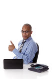 Jonge aantrekkelijke Afrikaanse Amerikaanse zakenman Stock Afbeeldingen