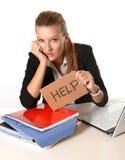Jonge Aantrekkelijke Vrouw die om hulp vragen Stock Afbeelding