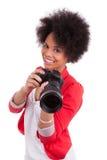 Jonge Afrikaanse Amerikaanse fotograaf met camera Royalty-vrije Stock Foto's