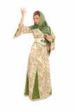 Jonge Arabische vrouw met sluier geïsoleerde, status Royalty-vrije Stock Fotografie