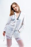 Jonge arts met endoscoop op knieën Royalty-vrije Stock Fotografie