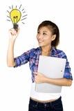 Jonge Aziatische studententekening. Stock Afbeeldingen