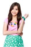 Jonge Aziatische vrouw in het toevallige glimlachen Royalty-vrije Stock Afbeeldingen