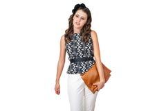Jonge bedrijfsvrouw met bruine beurs Stock Afbeeldingen