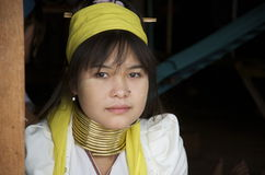 Jonge Birmaanse vrouwen met ringen rond haar hals Royalty-vrije Stock Fotografie