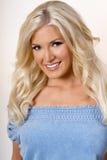 Jonge blonde vrouw Stock Afbeeldingen