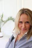 Jonge blonde vrouw Royalty-vrije Stock Afbeelding