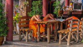 Jonge Boeddhisten royalty-vrije stock afbeelding