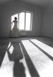 Jonge bruid op de lege ruimte Stock Fotografie