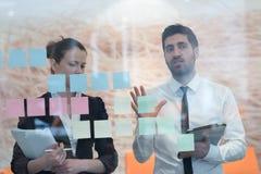 Jonge creatieve bedrijfsmensen Stock Foto's