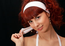 Jonge dame met rood haar stock foto