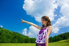 Jonge dame in openlucht Stock Afbeeldingen
