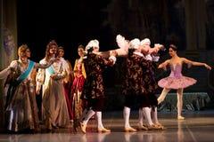 Jonge dansersballerina's in klassen klassieke dans, ballet Stock Afbeeldingen