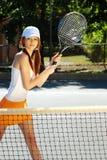 Jonge Donkerbruine het Spelen van de Vrouw Sporten Stock Afbeelding