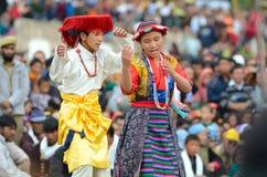 Jonge dorpsbewonerskunstenaars op Festival van Erfenis Ladakh Stock Foto's