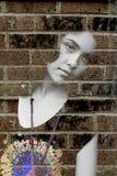 Jonge droevige gedeprimeerde vrouw royalty-vrije stock foto