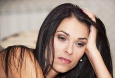 Jonge droevige vrouw Stock Afbeelding