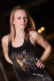 Jonge en mooie blonde Kaukasische onderneemster stock afbeeldingen