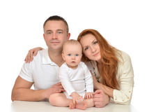 Jonge familie met het pasgeboren meisje van de kindbaby royalty-vrije stock foto's