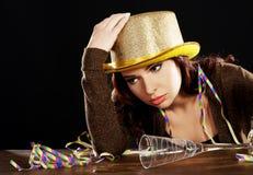 Jonge gedronken vrouw met lege champagnefles royalty-vrije stock foto's