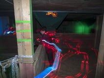 Jonge geitjes bij een arena van de lasermarkering Royalty-vrije Stock Afbeelding
