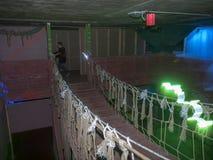 Jonge geitjes bij een arena van de lasermarkering Stock Fotografie