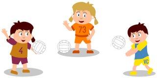 Jonge geitjes die - Volleyball spelen Stock Foto's