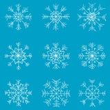 Jonge geitjes getrokken geplaatste sneeuwvlokken Stock Afbeeldingen