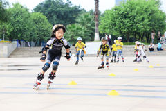 Jonge geitjes het schaatsen Royalty-vrije Stock Foto