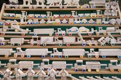 Jonge geitjes houten speelgoed Stock Afbeeldingen